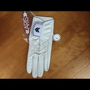 Isotoner Women's Leather Golf Glove